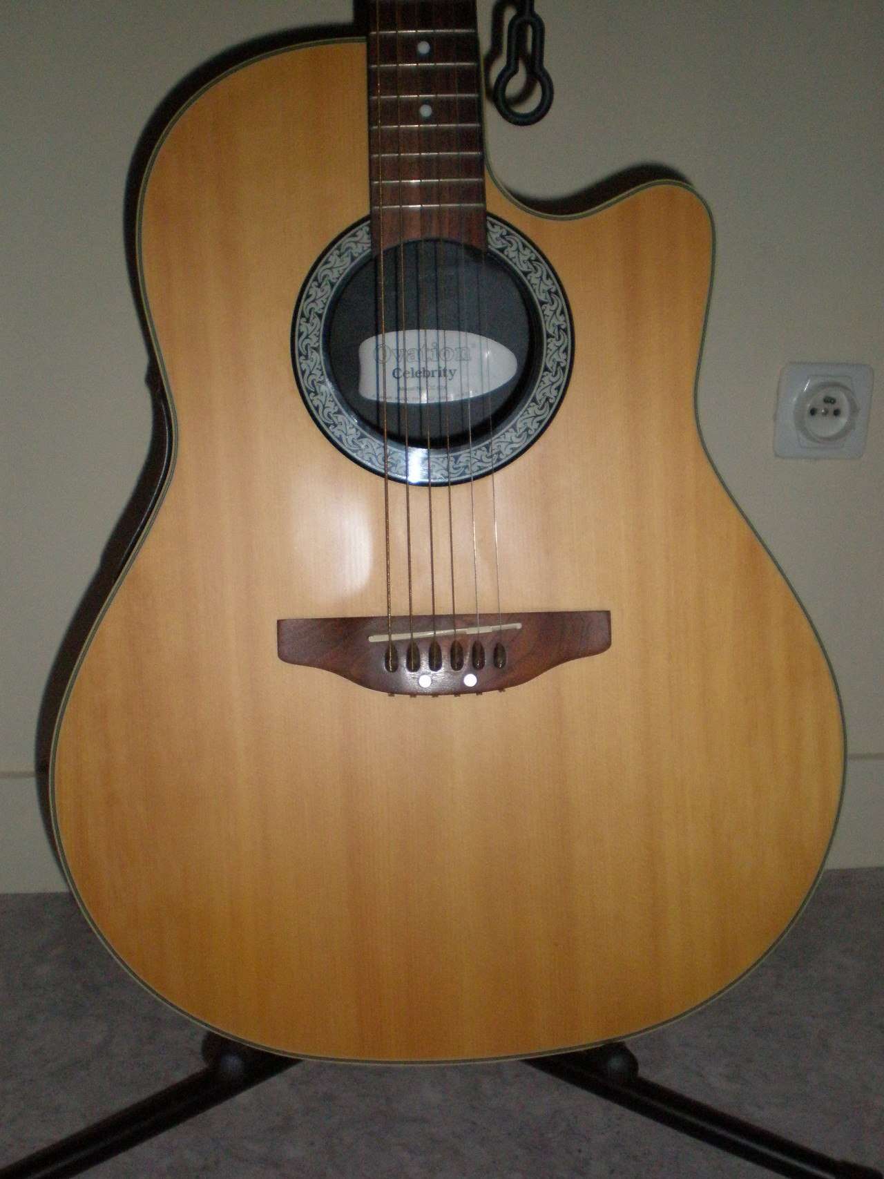 Ovation celebrity cc 024