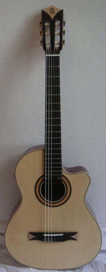 achat guitare electro acoustique alhambra comparer les prix du catalogue alhambra sur l 39 espace. Black Bedroom Furniture Sets. Home Design Ideas