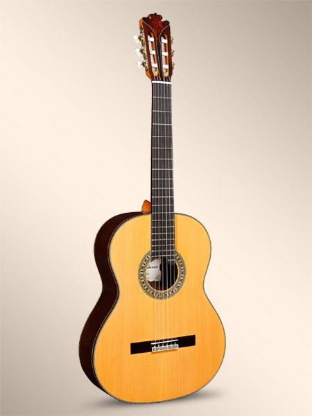achat guitare classique en stock comparer les prix et acheter moins cher tout le mat riel guitare. Black Bedroom Furniture Sets. Home Design Ideas