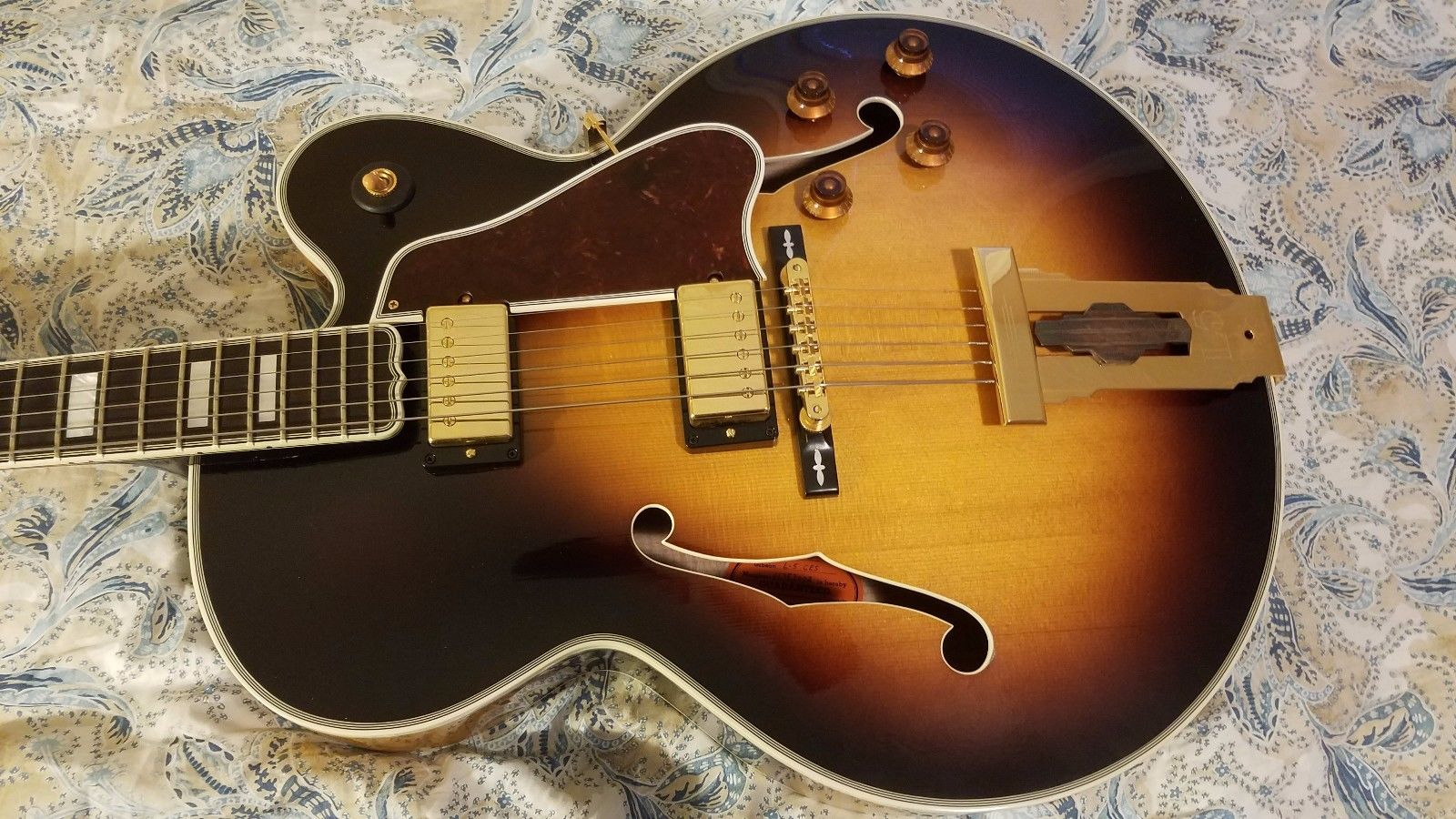 gibson l5 ces vintage sunburst 2013 annonce guitare gibson. Black Bedroom Furniture Sets. Home Design Ideas