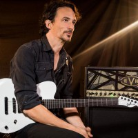 Une seconde Charvel Signature Joe Duplantier