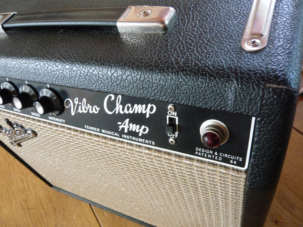 fender vibro champ silver blackface users 39 club page 57 ampli et pr ampli guitare. Black Bedroom Furniture Sets. Home Design Ideas